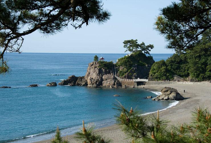 桂浜 高知県観光コンベンション協会提供