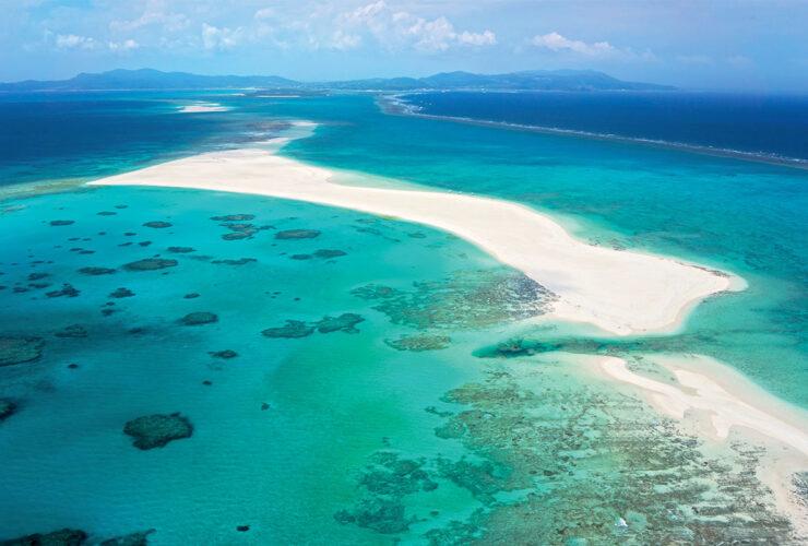 360℃エメラルドグリーンの海と白い砂浜が美しいはての浜 ⒸOCVB