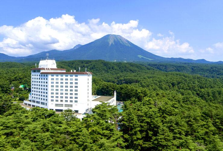 2泊するロイヤルホテル大山 と中国最高峰の大山